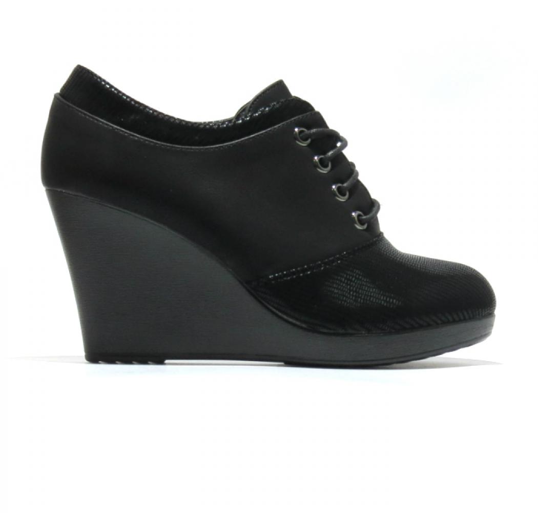 b99488d855a Дамски обувки на платформа с връзки Cabin 902 - Valis - Online Shoe ...